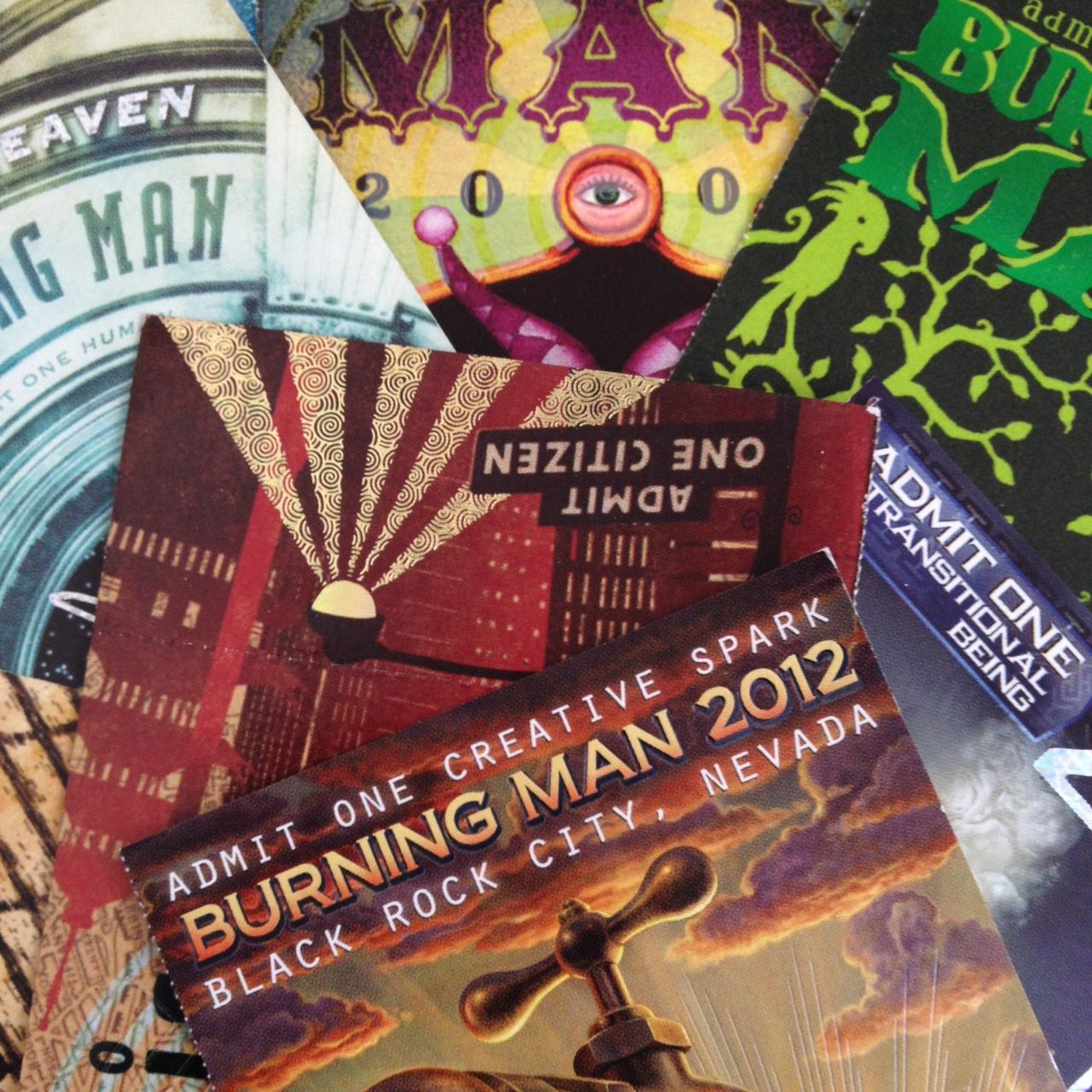 Ein Stapel mit Eintrittskarten